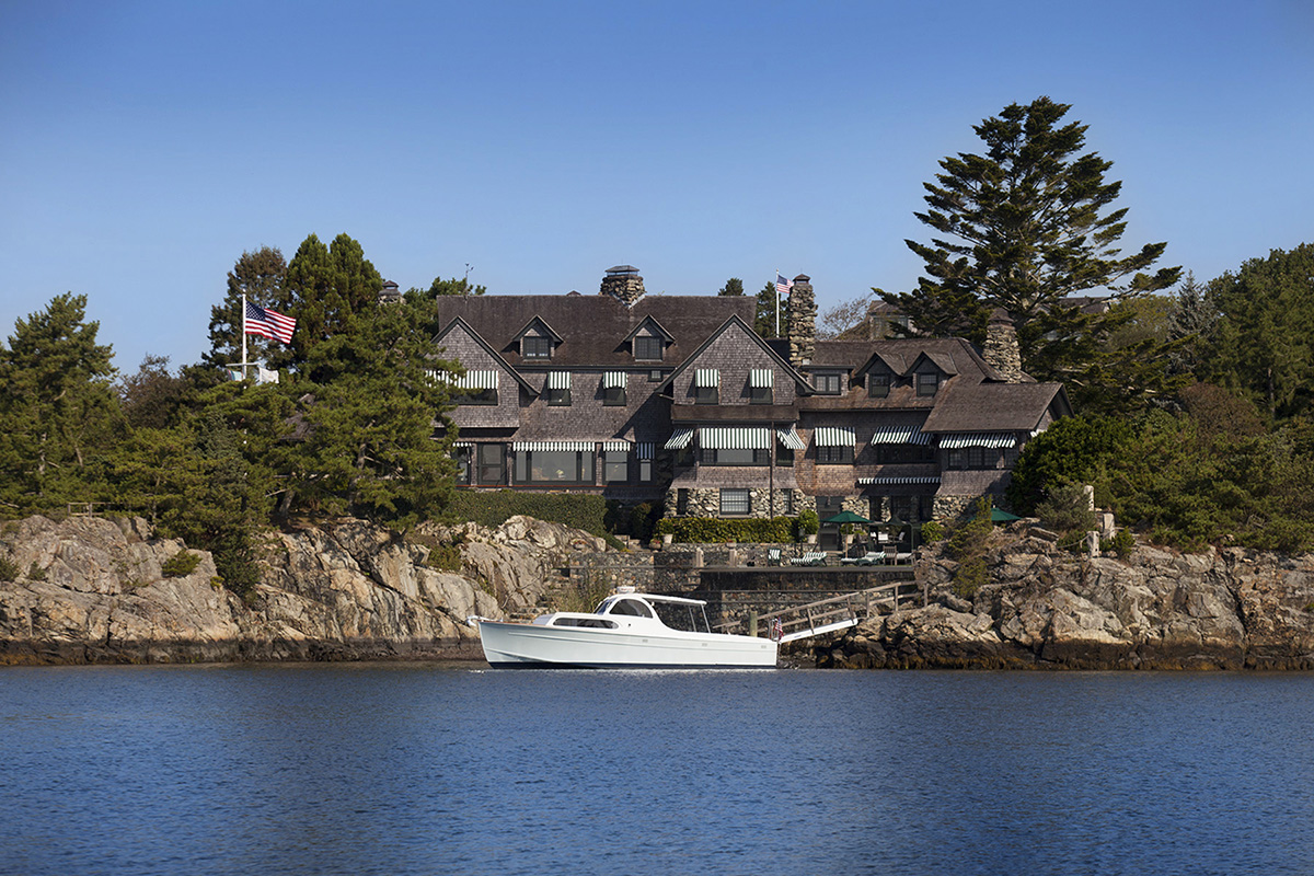 Historic wildacre on newport s ocean drive offered for sale for Home builders in ri